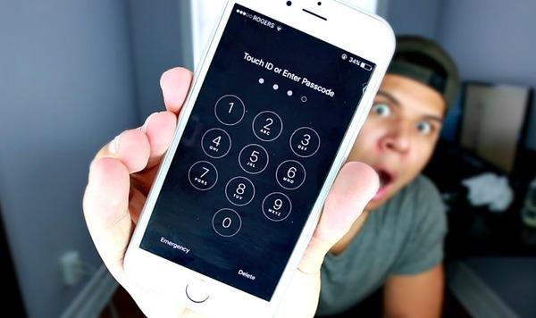 Inserisci la password per sbloccare iPhone