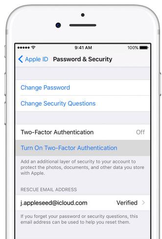 Attiva l'autenticazione a due fattori su iPhone