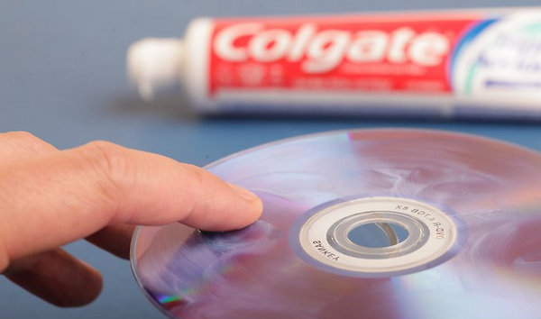 Διορθώστε ένα γρατζουνισμένο DVD